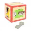 Dřevěná skříňka se zámky