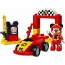 Mickeyho závodní auto