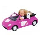 Panenka Evička s autem New Beetle